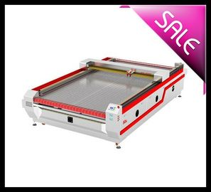 China 100W CO2 Auto Feeding Laser Cutting Machine For Garment / Model Industry distributor